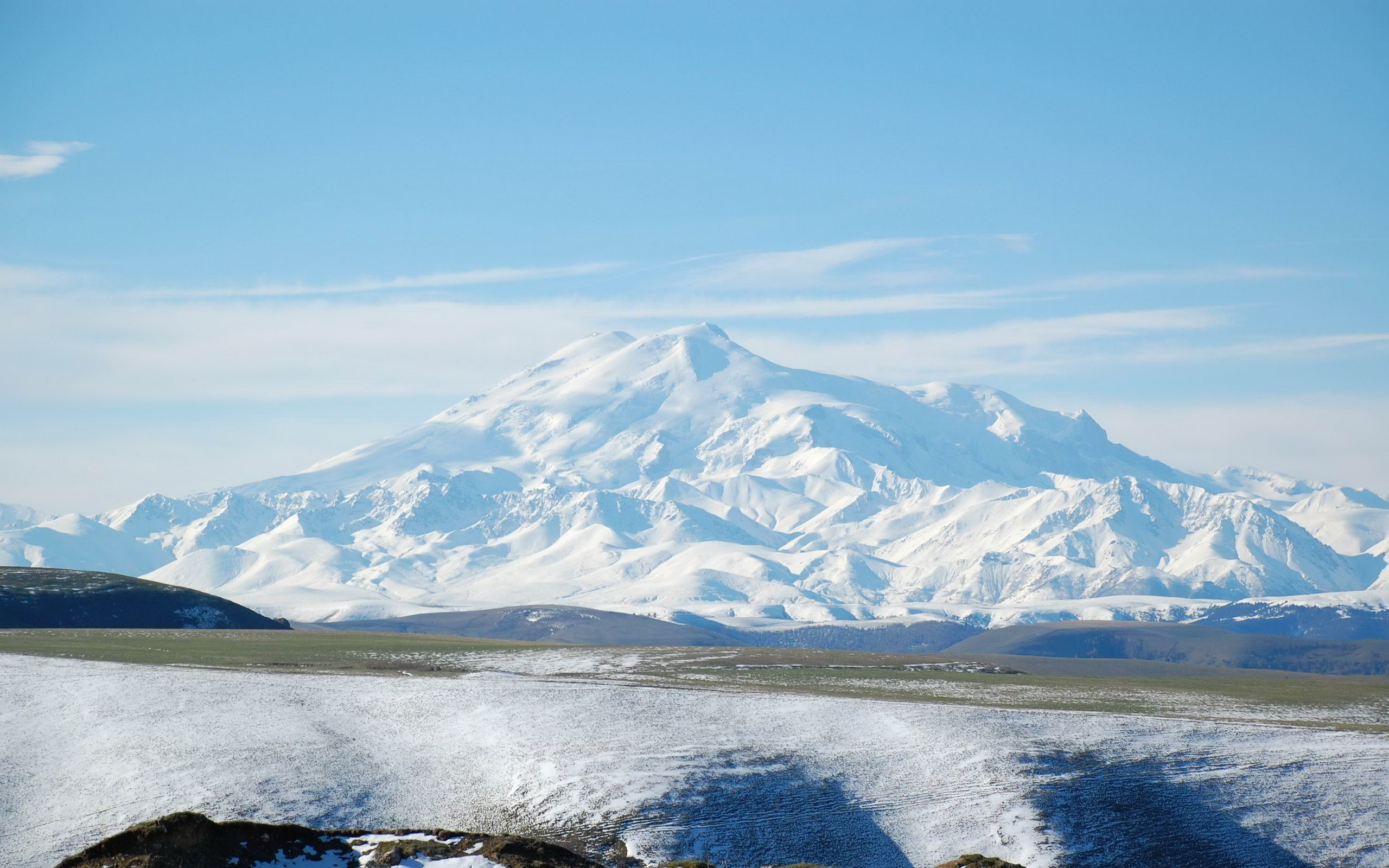 pictures-2560x1600-2011-Nature_Mountains_Elbrus_031394_.jpg